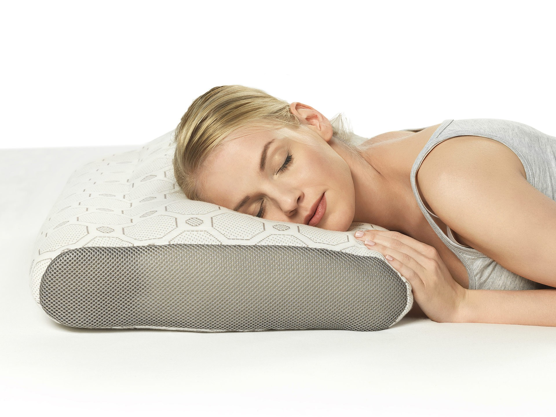Dormeo Air Smart Duo Pillow has a reversible 2in1 design and ... b87ce5c8df